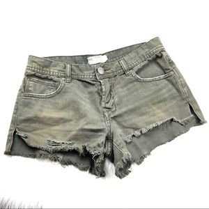 💎 3/$25 Free People Distressed Cut Off Shorts